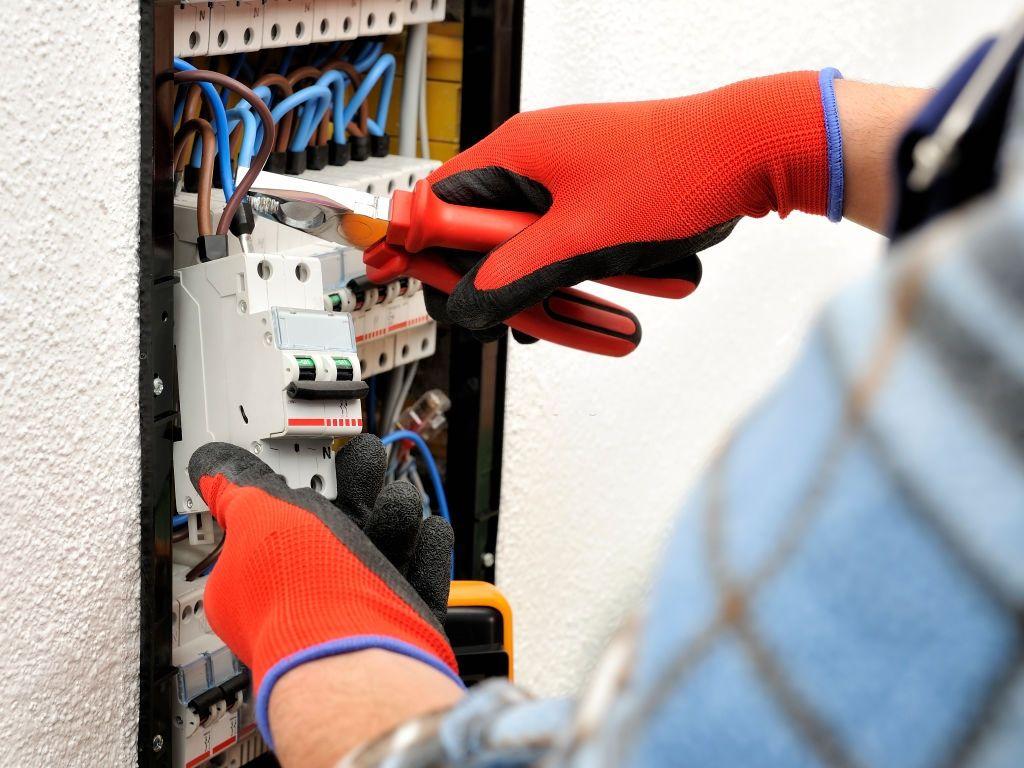 24 Hour Emergency Electrician London
